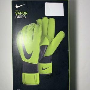 Nike GK Vapor Grip 3 Goalkeeper Gloves GS0352-702